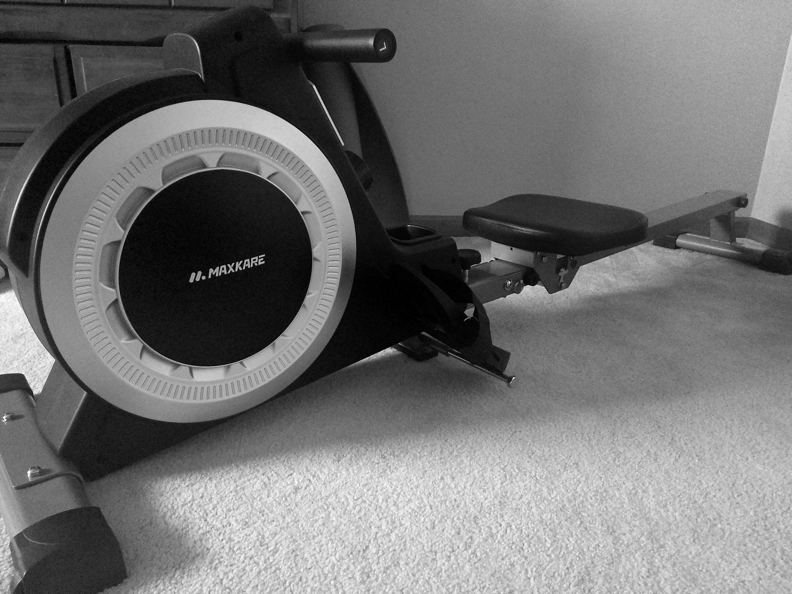 Rowing machine for exercising with POTS