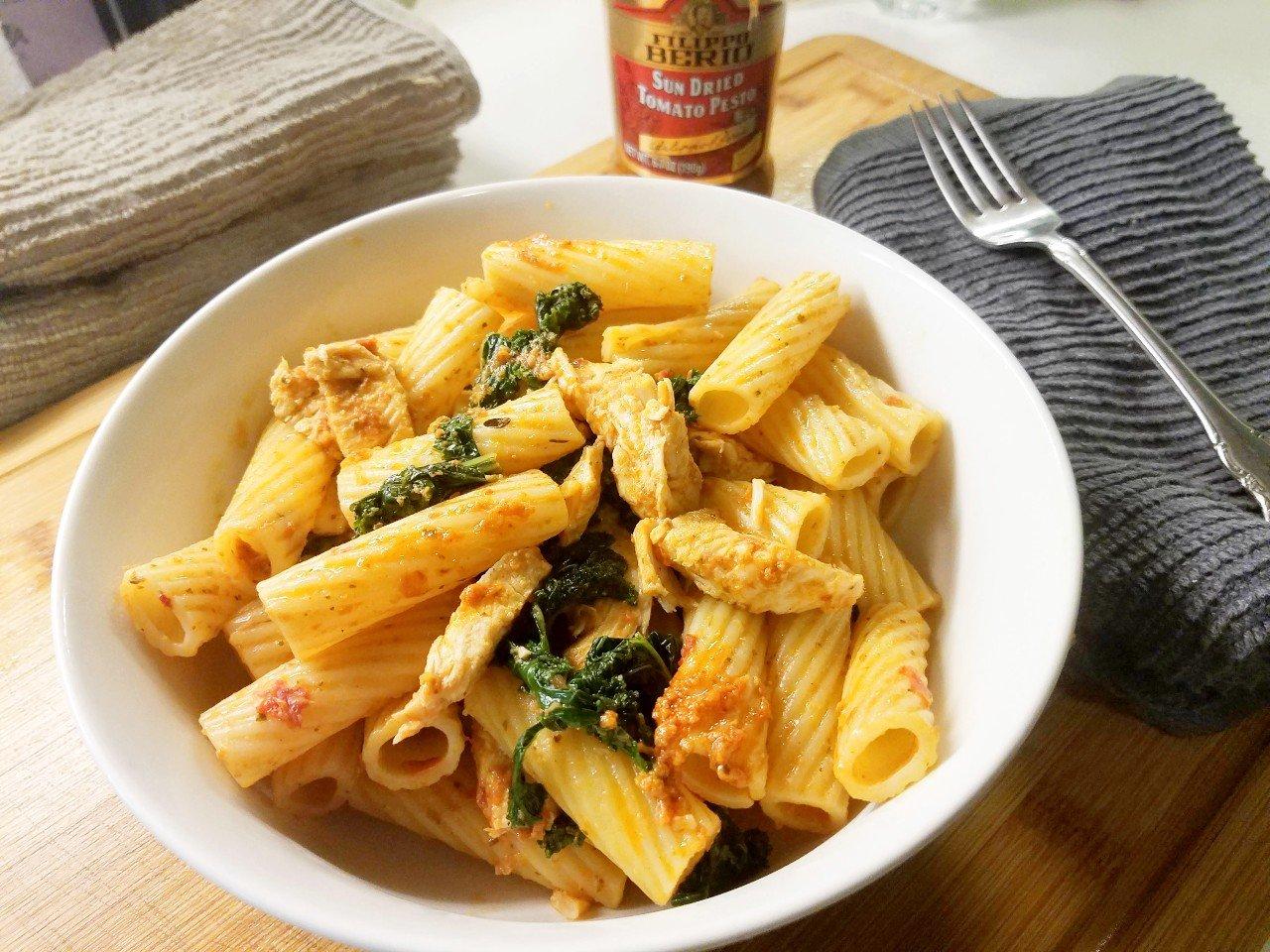 sun-dried tomato pesto pasta with chicken
